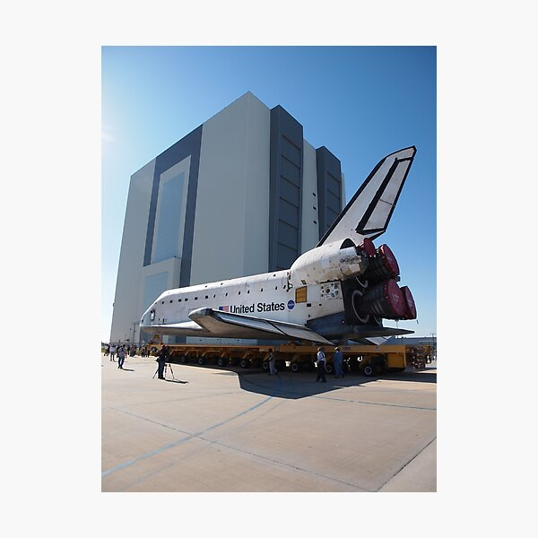 Atlantis arriving at the VAB Photographic Print