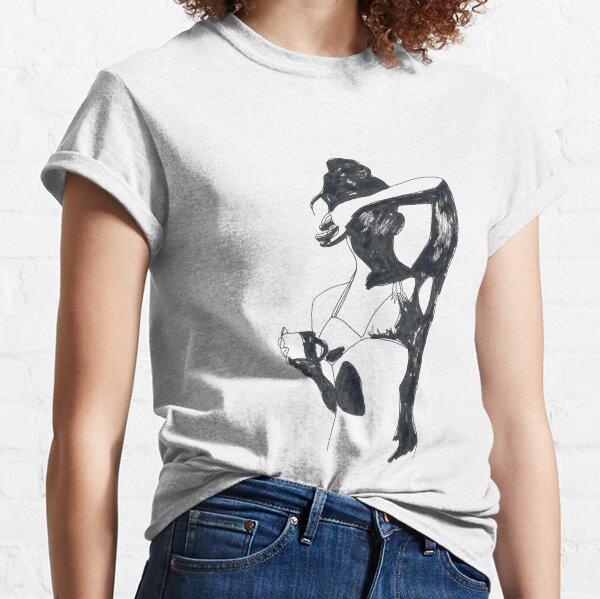portrait graphique en noir et blanc d'une femme tenant une tasse de café à l'encre de Chine T-shirt classique