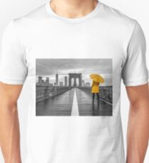 Tourist on Brooklyn bridge Unisex T-Shirt