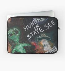 Aliens and UFO's - Hundreds in state see flying saucers Laptop Sleeve