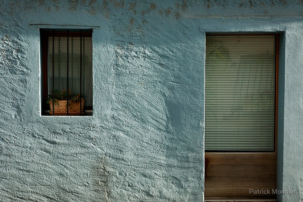 turquoise facade by Patrick Monnier