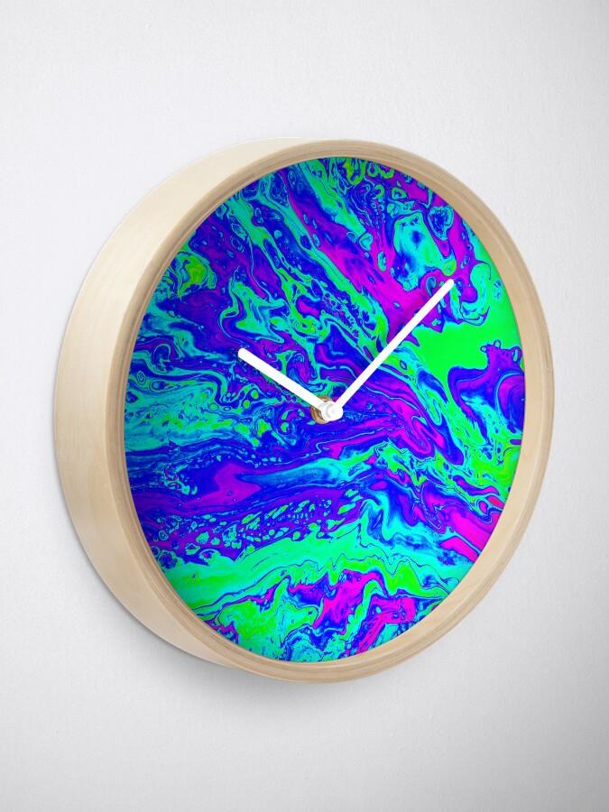Alternate view of Wavy Clock