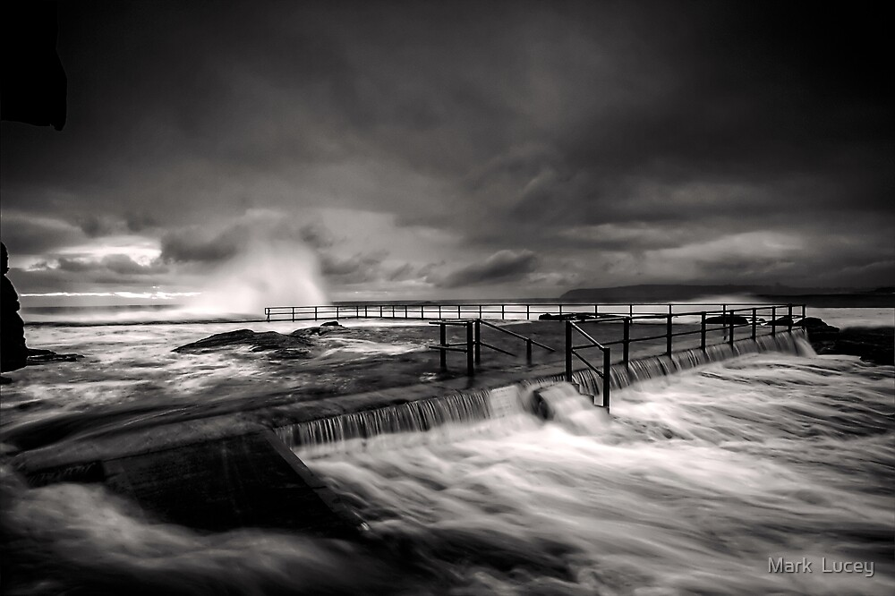 Flowing Mood by Mark  Lucey