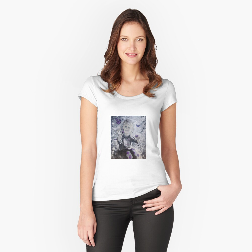 65. Leani Women's Fitted Scoop T-Shirt Front
