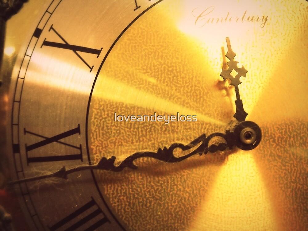 Clock by loveandeyeloss