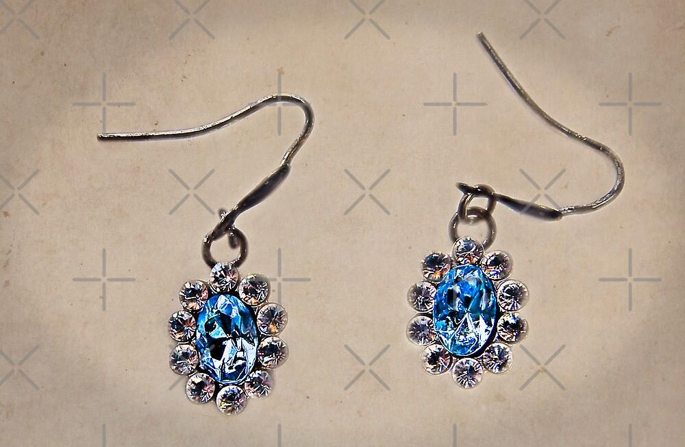 Blue Diamonds by Denise Abé