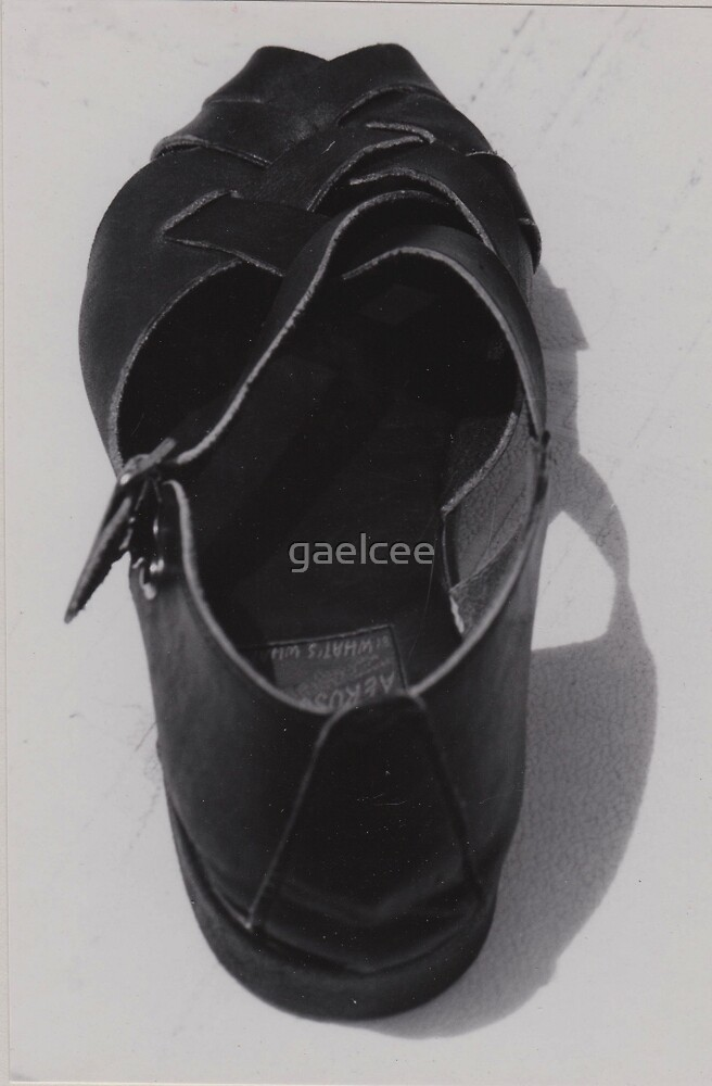 ONE SHOE by gaelcee