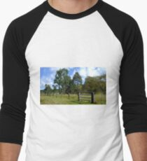 The Aussie farm fence Men's Baseball ¾ T-Shirt