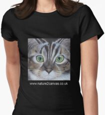 Cat's face close up on a t-shirt Women's Fitted T-Shirt