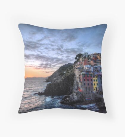 Sunset at Riomaggiore Throw Pillow