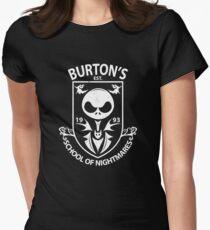 Burtons Schule der Albträume Tailliertes T-Shirt für Frauen
