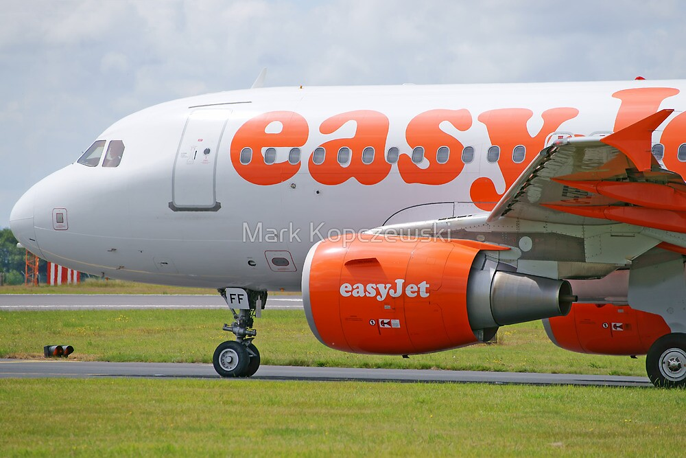 Airbus 319-111 easyJet by Pirate77
