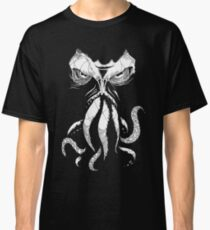 Cthulhu wakes Classic T-Shirt