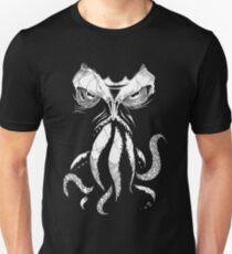 Cthulhu wacht auf Slim Fit T-Shirt