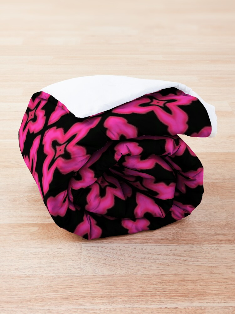 Alternate view of Fuchsia and Black Abstract Pattern Comforter