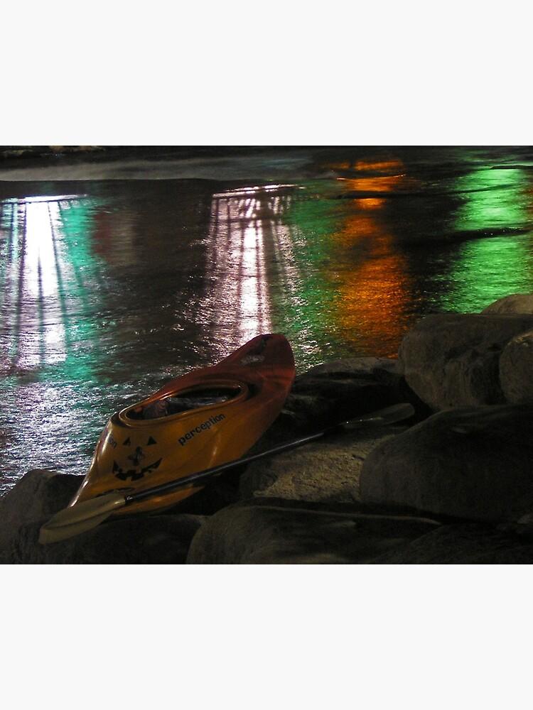 Kayak-o-lantern by JandMPhoto