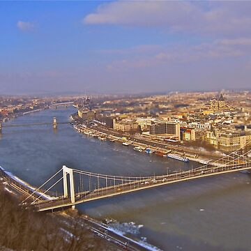 Budapest  by grimbomid