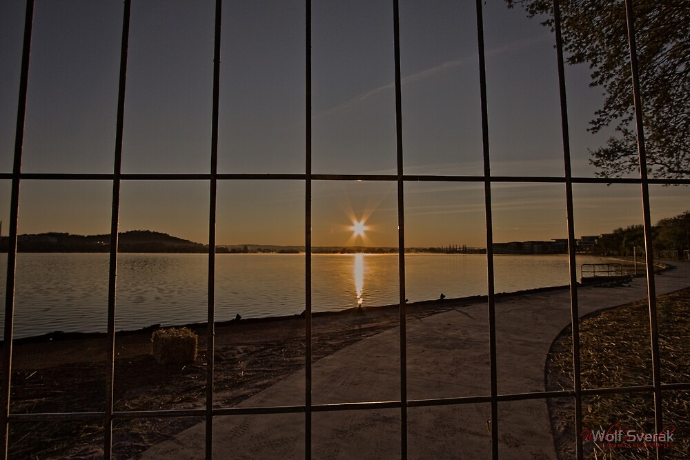 Sunrise at Lake Burley Griffin in Canberra/ACT/Australia (9) by Wolf Sverak