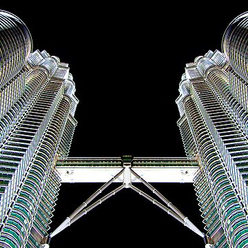 Petronas Tower at Night by skinburn