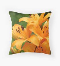 Lily cluster Throw Pillow