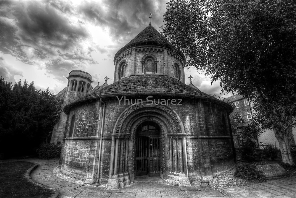 Round Church Of The Holy Sepulchre  by Yhun Suarez