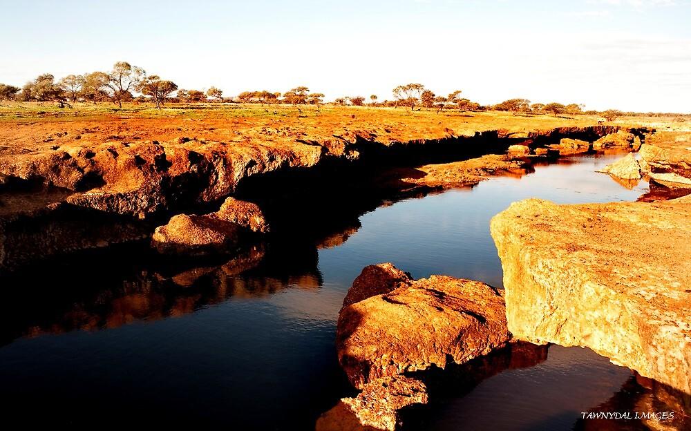 Rocky Waterway Western Australia by Tawnydal