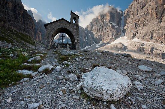 Dolomites - Rifugio Brentei by Bartosz Chajek