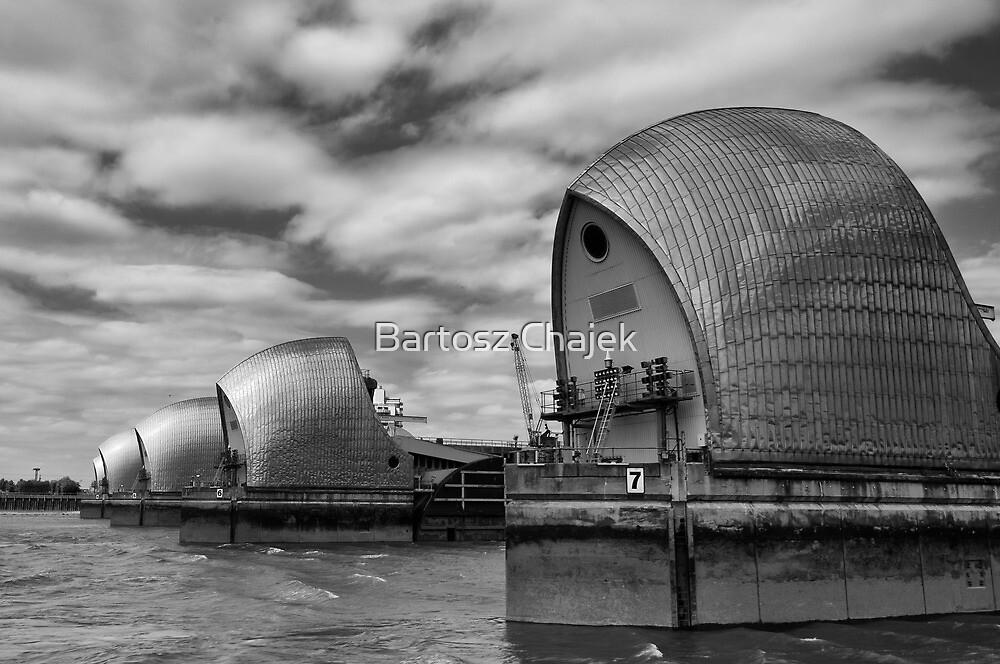Thames Barrier by Bartosz Chajek