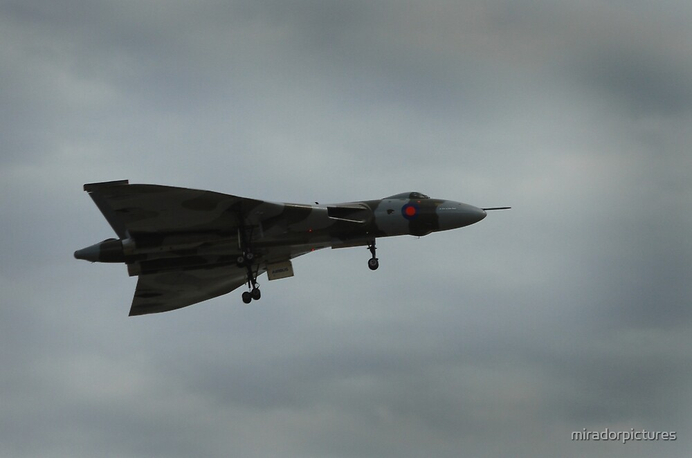 AVRO Vulcan by miradorpictures