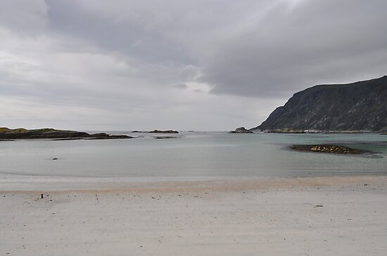 A grey day on a beautiful island. by Annbjørg  Næss