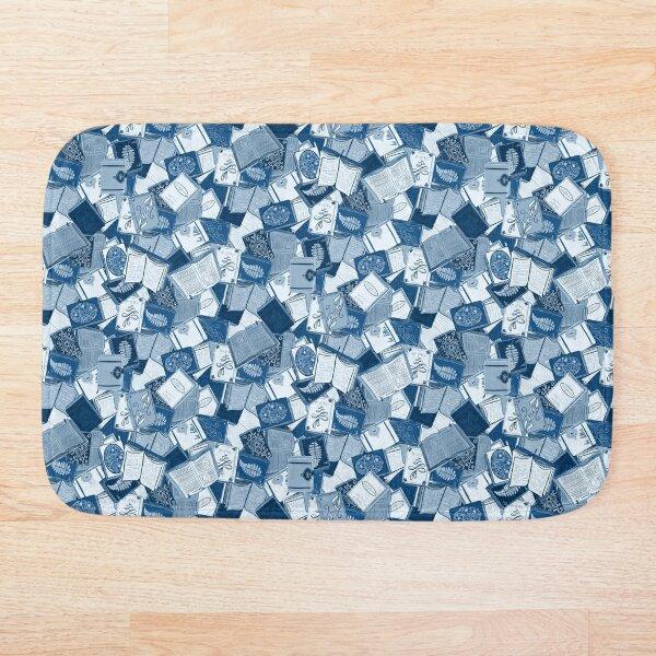Book lovers paradise - blue Bath Mat
