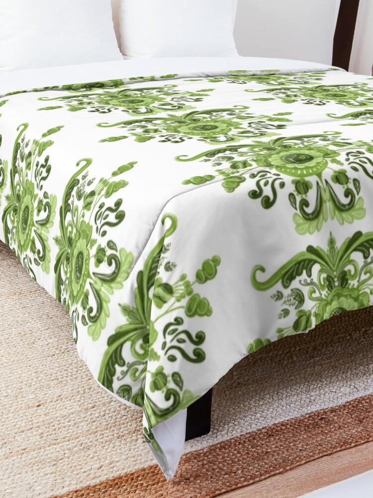 Alternate view of Green Flowers Comforter