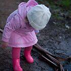 Inspecting poddles by Lanii  Douglas