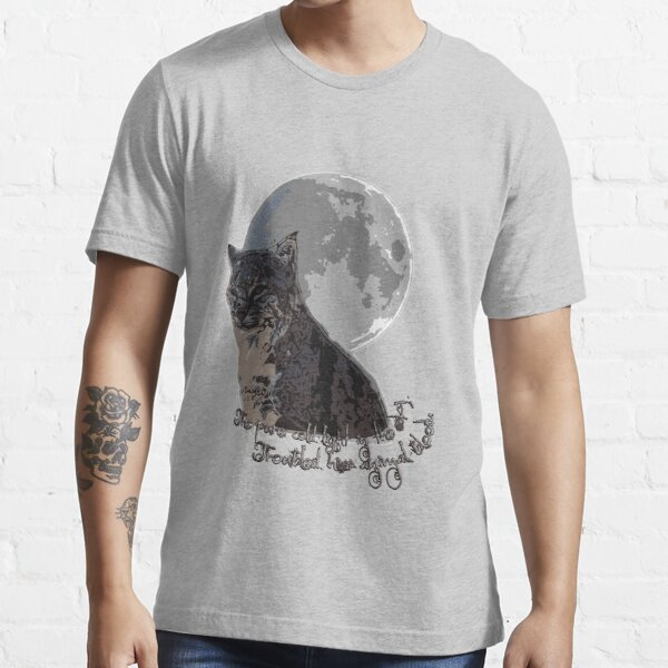 The (big) cat and the moon Essential T-Shirt