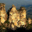 love legend-Three Sisters at Blue Mountain, Sydney, Australia by maysun