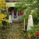 Haunted Yard by Grinch/R. Pross