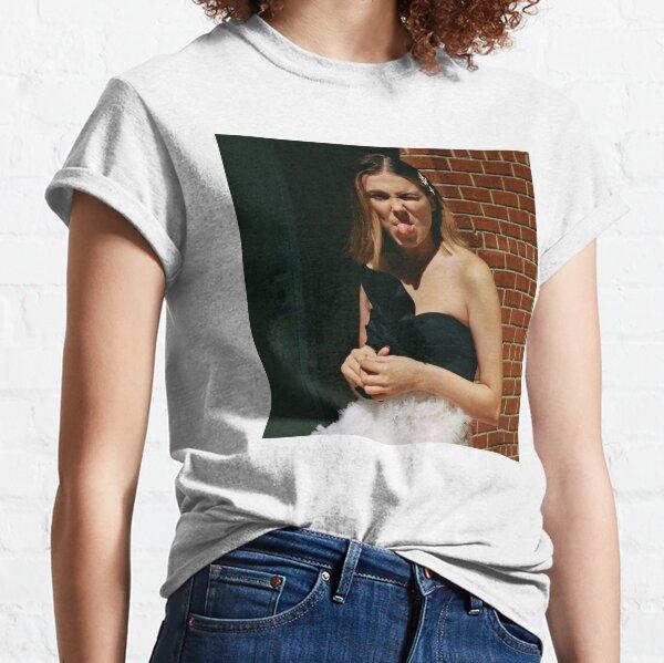 millie bobby brown T-shirt classique