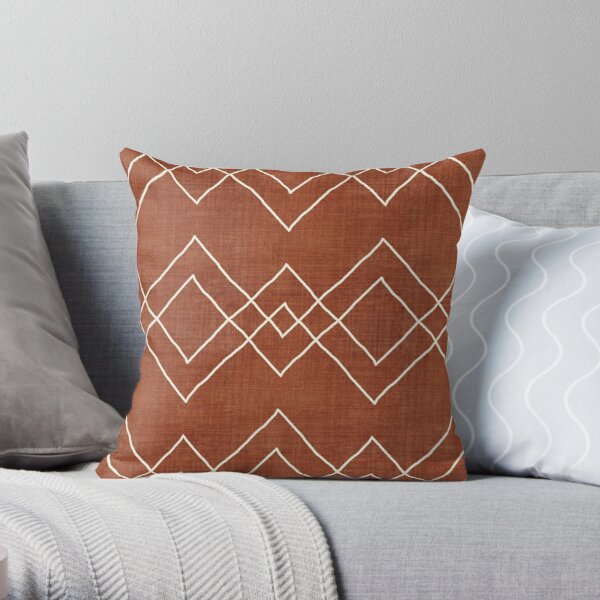 Nudo in Rust Throw Pillow