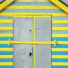 Colourful Beach Hut by James1980