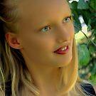Portrait of Sarah ! by Jan Siemucha