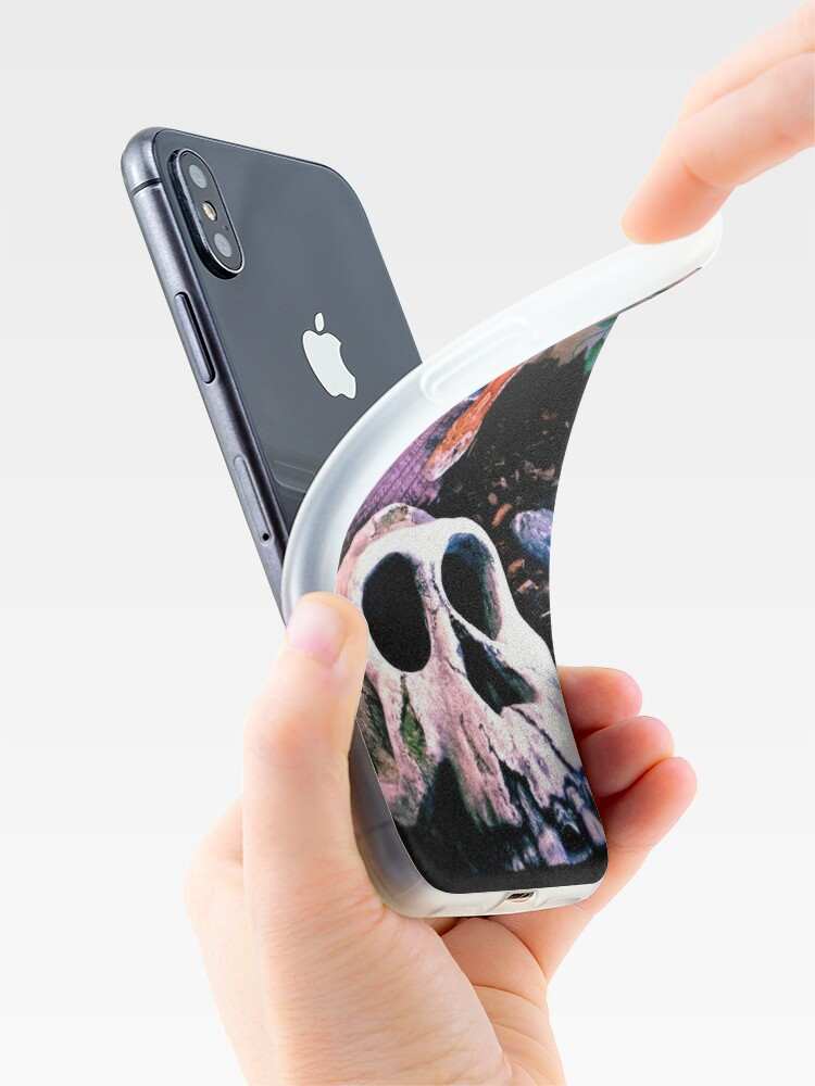 Alternative Ansicht von Snake or Skull iPhone-Hülle & Cover
