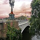 Princes Bridge, Melbourne by Roz McQuillan