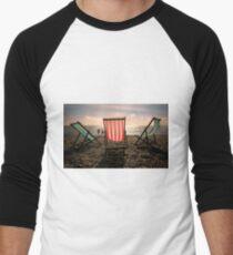 Evening walk on the beach Men's Baseball ¾ T-Shirt