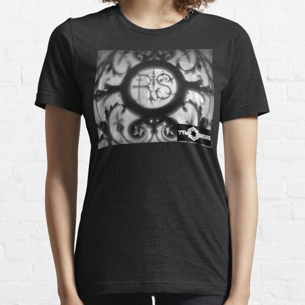 restless&serious Essential T-Shirt