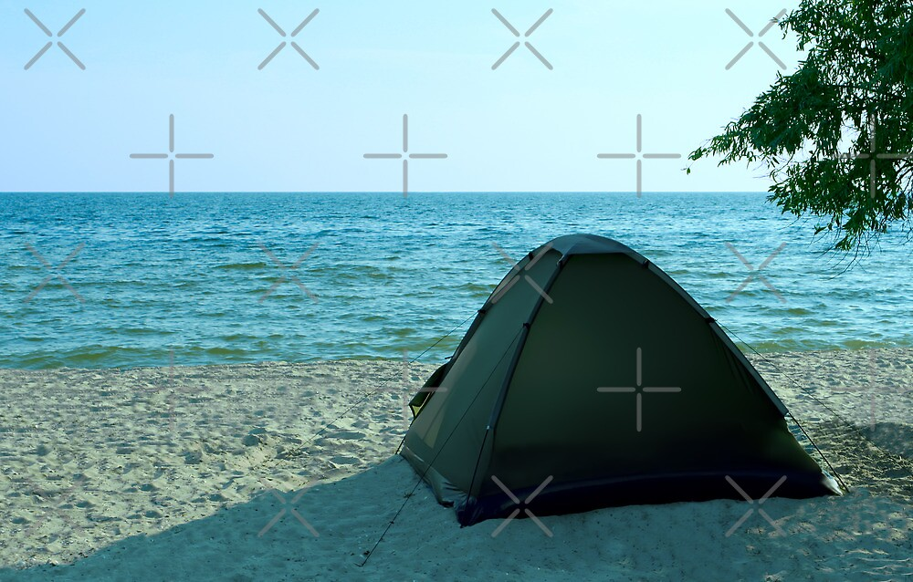 Tent on the solitude beach by qiiip