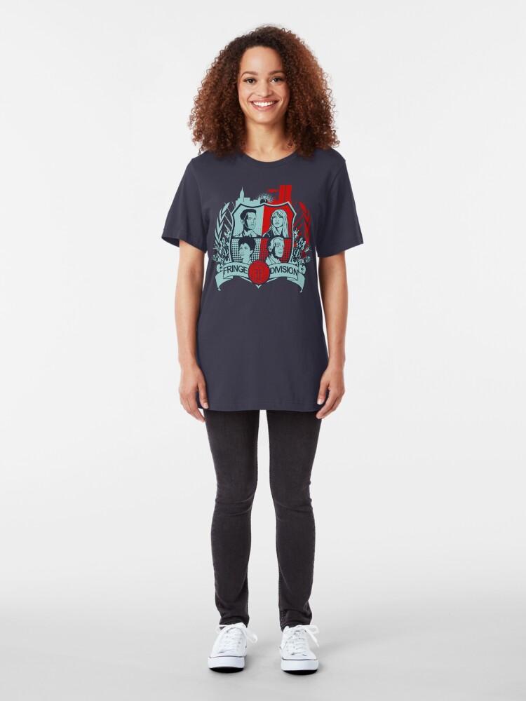 Vista alternativa de Camiseta ajustada Fringe Division Crest