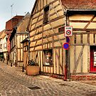 Street in Troyes by MaluC