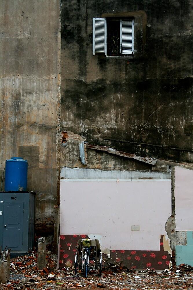 Saigon construction site by Francisco Vasconcellos