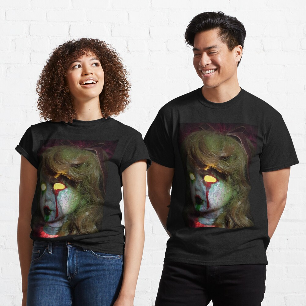 Lady Scream Zombie Horror Doll Head Light Classic T-Shirt