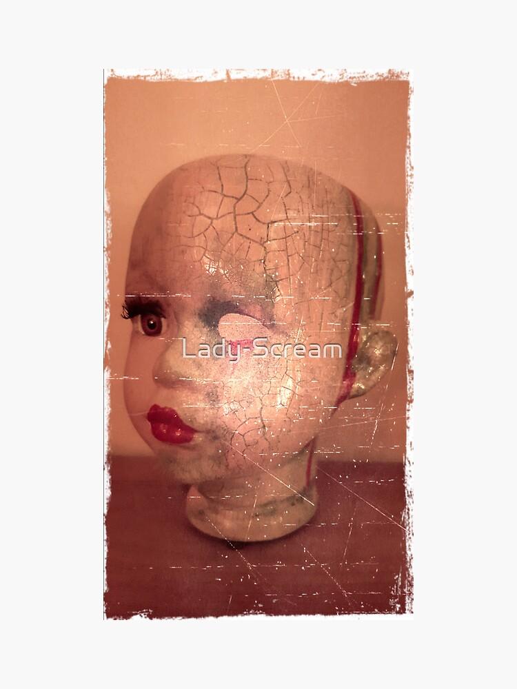 Cracked Creepy Horror Doll ~ Lady Scream  by Lady-Scream